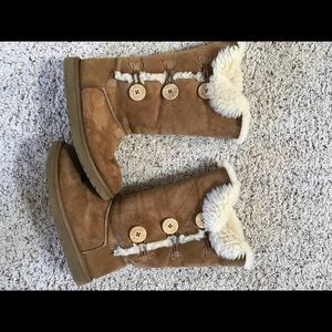 NEW HIGH BUTTONED UGG BOOTS